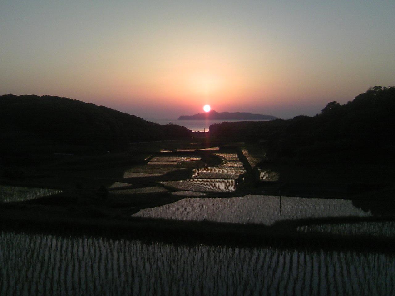 馬渡島と夕日2