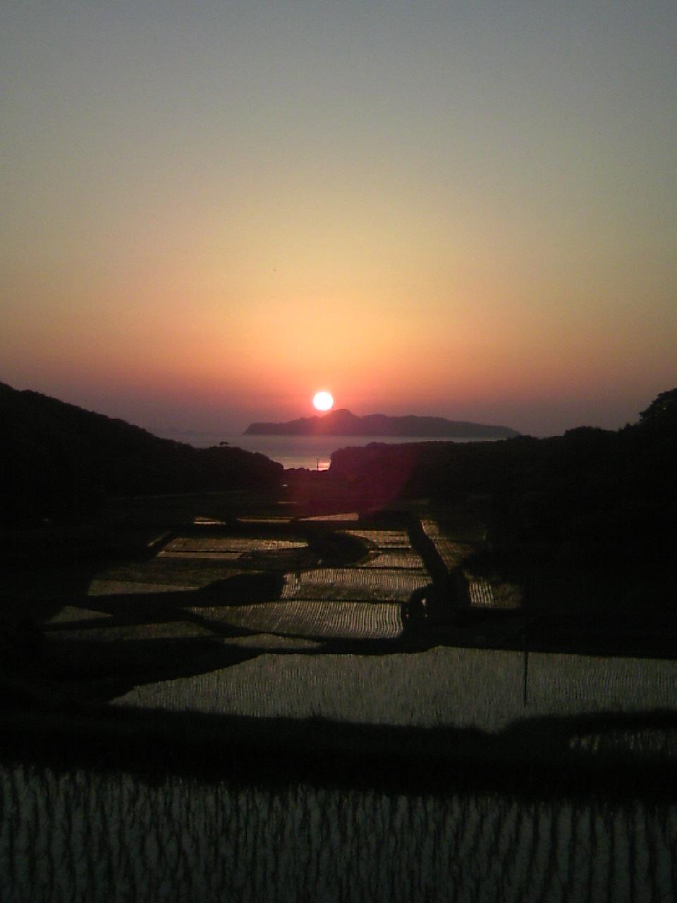 馬渡島と夕日3
