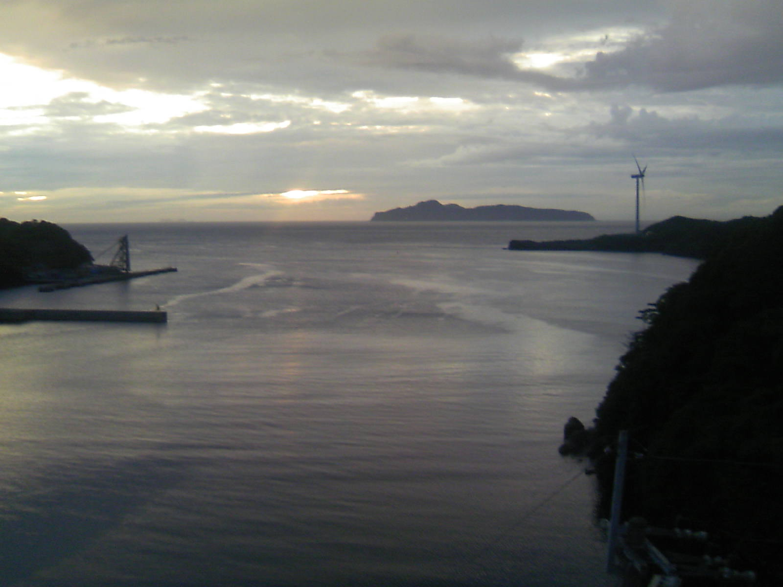 外津大橋から馬渡島方面