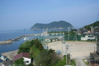 加唐島学校より港と松島